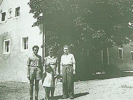 Erich und Anna Anzer geb. Sauer mit Tochter Gerlinde